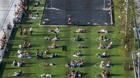 Un parc de Brooklyn place les New-Yorkais dans des cercles pour bronzer en sécurité