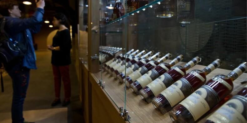 Une bouteille de cognac de 1762 bat tous les records aux enchères
