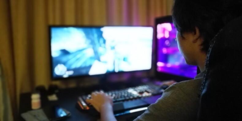 L'accès à Pornhub ou Xvideos sera bientôt bloqué aux mineurs