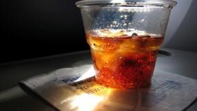 Voilà pourquoi vous ne pourrez peut-être plus boire en avion