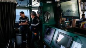 """La France va se doter de 10 patrouilleurs océaniques pour remplacer une flotte """"obsolète"""""""