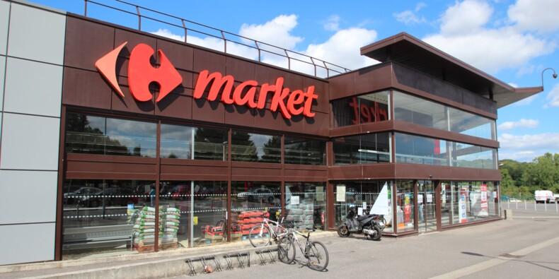 Des salariés de Carrefour manifestent contre la location-gérance de leur magasin