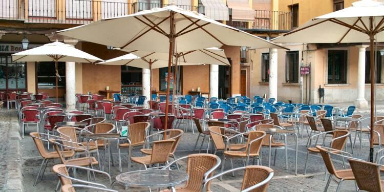 Des restaurateurs priés de fermer leurs parasols pour ne pas gêner la vidéosurveillance