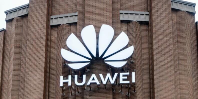 5G : députés et sénateurs invités par Huawei au Pavillon Ledoyen