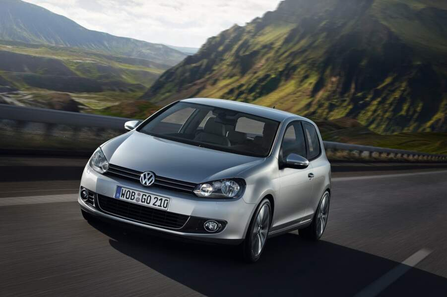 8 - VOLKSWAGEN GOLF (38.435 transactions)