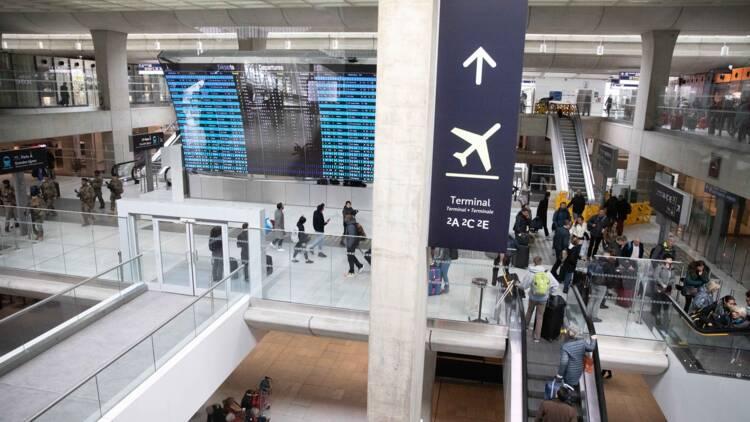Aéroports de Paris (ADP) va discuter avec les syndicats sur l'emploi