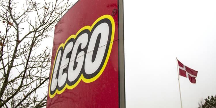 Lego renonce à s'inspirer d'un Boeing militaire pour un jouet, critiqué par une ONG