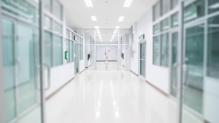 Payé à ne rien faire, le prothésiste attaque l'hôpital
