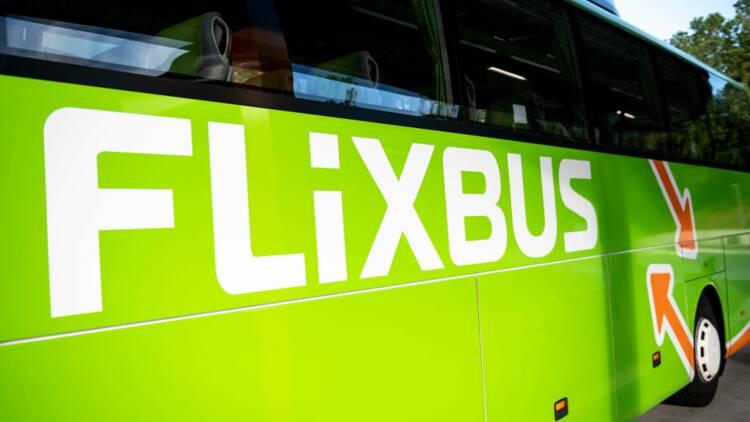 Un FlixBus oublie des passagers sur une aire d'autoroute au milieu de la nuit
