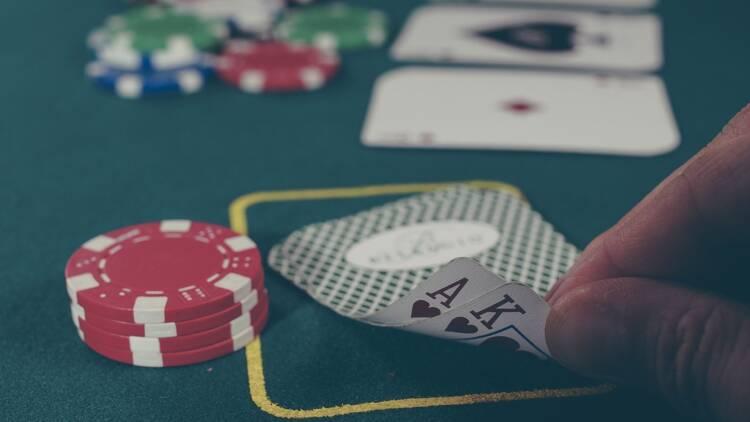 Le géant du casino Partouche dans le rouge vif, la dette s'envole