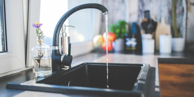 Le prix de l'eau ne bondira pas en cas de mariage avec Suez, affirme Veolia