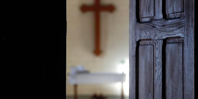 Le curé sympathisant des Gilets jaunes en garde à vue : il aurait volé des objets de culte
