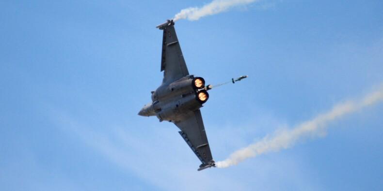 Armée : la France passe une nouvelle commande d'avions de combat Rafale