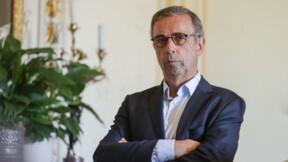 """Pas de sapin de Noël à Bordeaux : """"L'opinion des fachos, je m'assieds dessus"""" répond le maire Pierre Hurmic"""