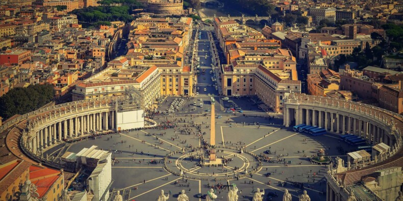 Vatican : l'incroyable procès qui s'ouvre ce mardi et fait trembler l'Église
