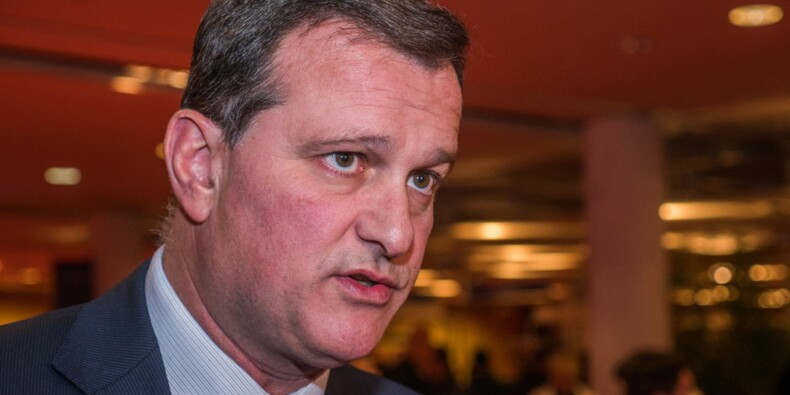 Le maire de Perpignan recrute trois gardes du corps, l'opposition demande des explications
