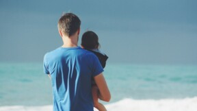 Congé paternité : le gouvernement détaille le timing des jours indemnisés