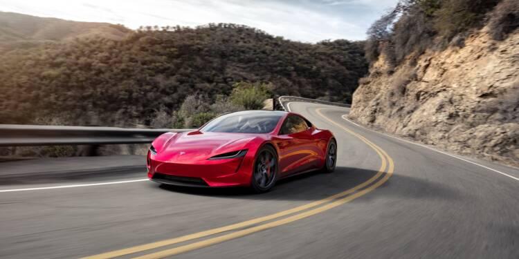 Tesla plonge en Bourse, craintes sur les ventes de voitures électriques