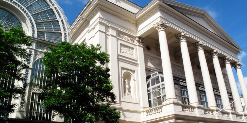 Pour renflouer ses caisses, le Royal Opera House de Londres vend un tableau de Hockney