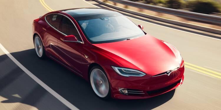 Le freinage des Tesla mis en cause après un accident à Paris