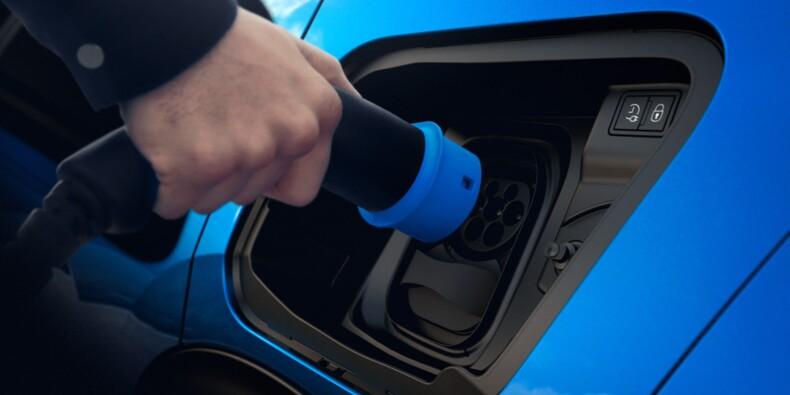 En septembre, les immatriculations des voitures hybrides et électriques ont dépassé celles des diesel en Europe