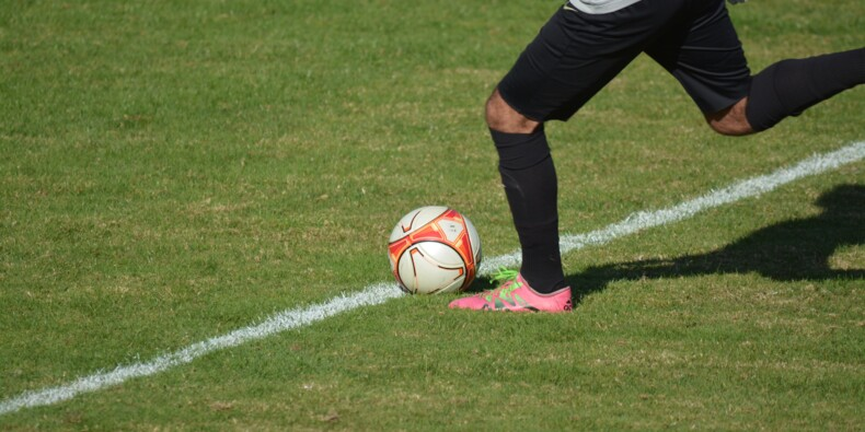 Droits TV du foot : l'appel d'offre est infructueux, malgré la candidature d'Amazon