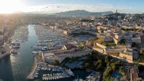 Le plus grand hypermarché Carrefour de Marseille bloqué par des salariés