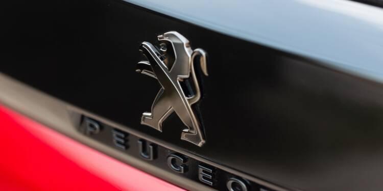 """La famille Peugeot se renforce dans PSA """"dans d'excellentes conditions"""""""