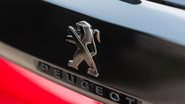 PSA Peugeot-Citroën - Fiat Chrysler : Stellantis, nouveau géant de l'auto