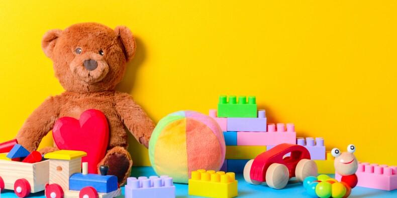 Avant la fermeture des rayons, les clients se ruent sur les jouets