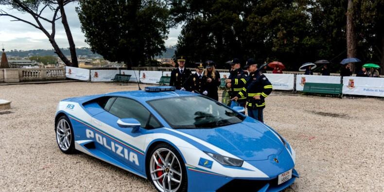Quand la police italienne utilise une Lamborghini pour livrer un rein