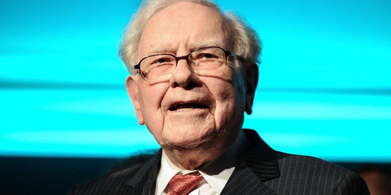 Warren Buffett mise gros sur la santé en Bourse, réduit la voilure dans la banque
