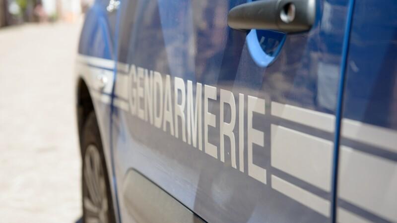 La grosse amende que risque un automobiliste pour avoir peint sa Seat Leon Cupra aux couleurs de la gendarmerie