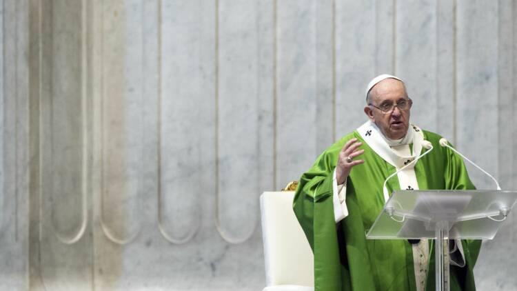 """Le Vatican demande des explications à Instagram après un """"like"""" polémique du compte du pape"""