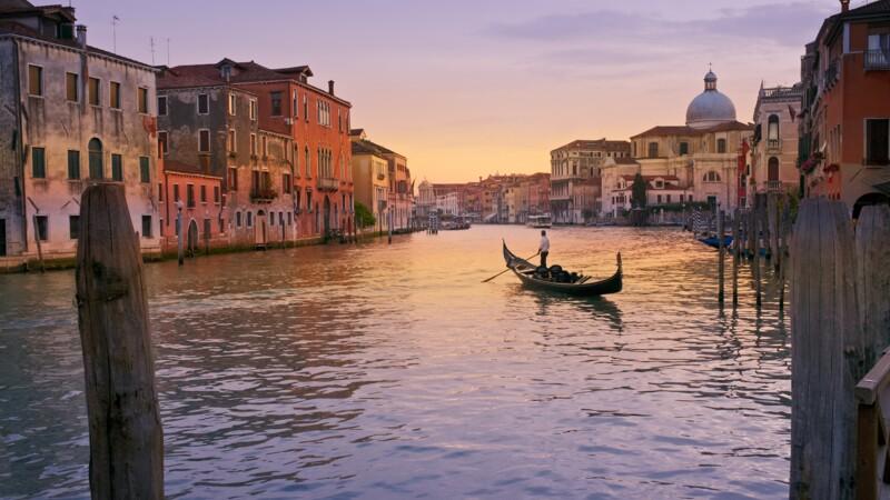 Venise ne fera pas payer les touristes avant 2022 finalement