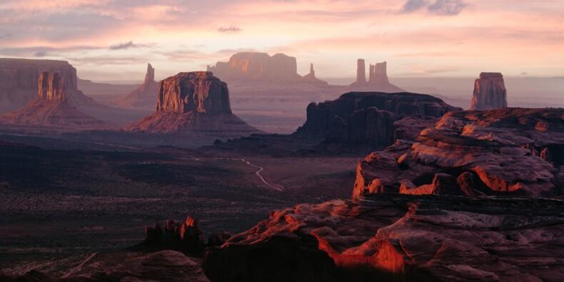 Un étrange monolithe découvert dans le désert aux Etats-Unis attise les passions