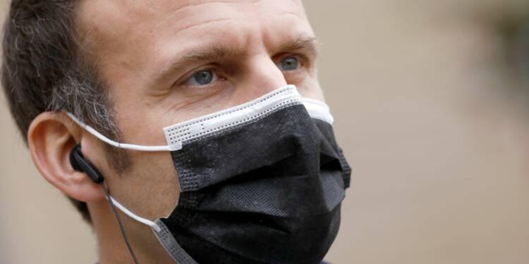 """Vaccination : Macron promet qu'il n'y aura pas de lenteur """"injustifiée"""""""
