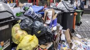 Marseille : malgré la fin de la grève des éboueurs, les ordures s'amassent dans les rues du centre-ville