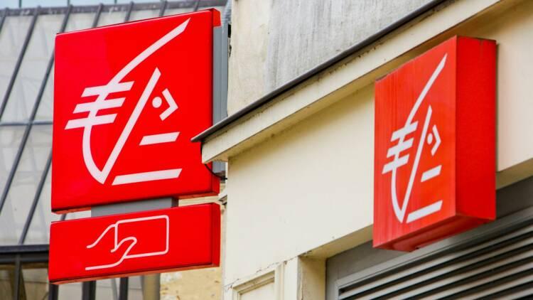 Le cadre de la Caisse d'épargne qui avait viré 20 millions d'euros à une collègue définitivement licencié