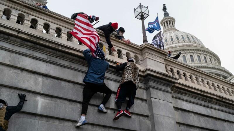 États-Unis : des manifestants du Capitole virés après avoir été repérés sur les réseaux sociaux