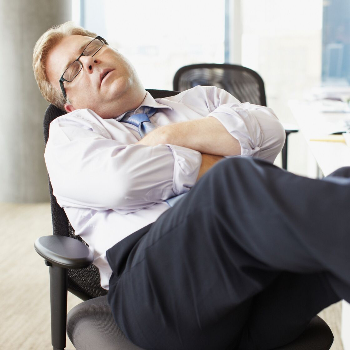 Wenn du häufig Nickerchen brauchst, kann diese ernste Krankheit der Grund sein