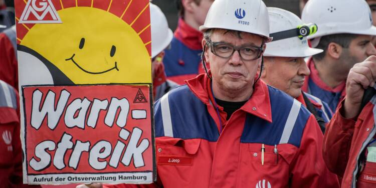 Allemagne: reprise des négociations salariales, IG Metall durcit le ton