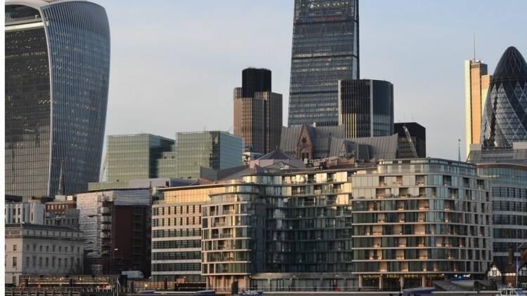 Brexit : la City de Londres doit rivaliser avec New York et Singapour, plutôt que Paris, pour Barclays