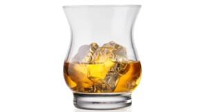 Whisky : certaines bouteilles s'arrachent à prix d'or