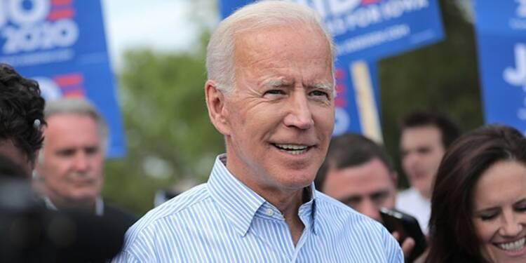 """Pour Joe Biden, face à la Russie, les Etats-Unis ne doivent plus se """"soumettre"""""""