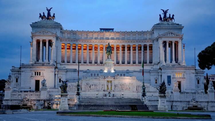 """Le taux d'intérêt de l'Italie à un plus bas record, """"Super Mario"""" Draghi enthousiasme !"""