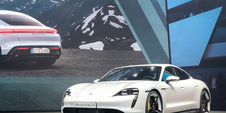Il détruit une Porsche pour... une vidéo