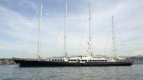 Victime d'un incendie, l'ancien yacht de Bernard Tapie a coulé