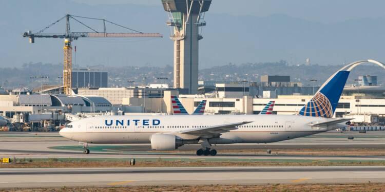 Boeing immobilise une centaine d'avion après une spectaculaire panne de moteur