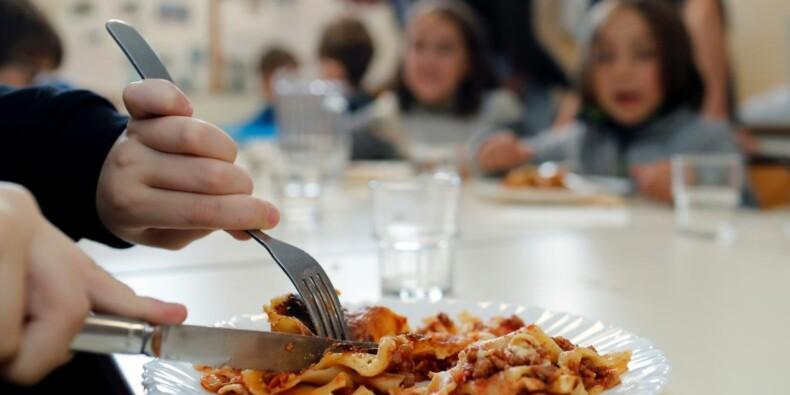 Menu sans viande à la cantine : la polémique enfle au sommet de l'Etat